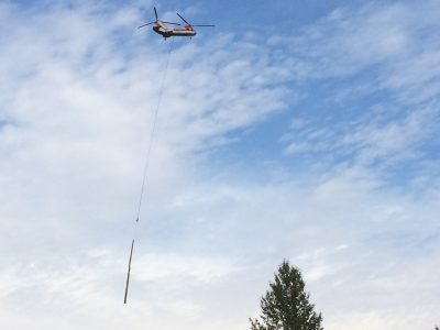 cle elum river helicopter placing wood
